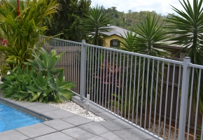 Flat top Pool Fence Silver (2)