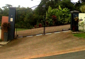 Contemporary-Arch-aly-Swing-Gates