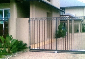 Enclosed Ring D Gate