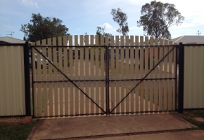 Double Gate Arched Top
